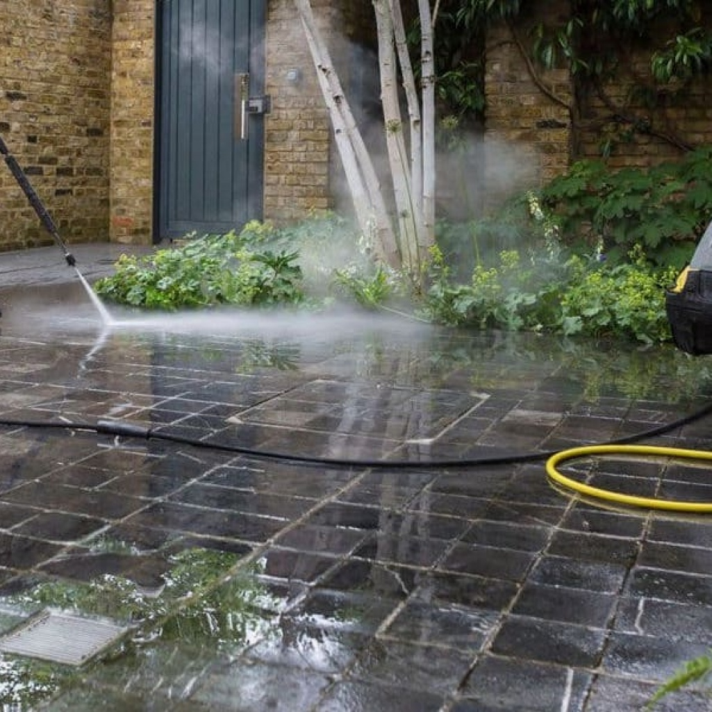 Exterior Brickwork and Driveway Cleaning